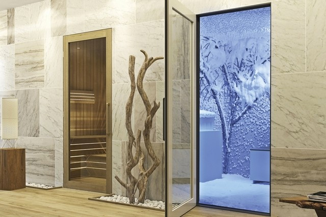 Top Five Fridays October 2, 2015: Dubai Snow Introduces the Snow Room to the World