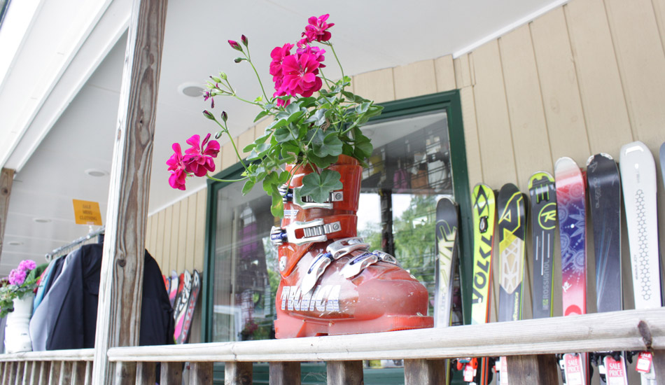 When It's Time to Move On: What to Do With Old Skis: Ski Boot Flower Pot Image